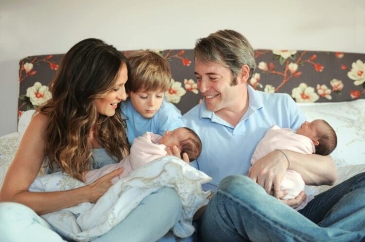 Sarah Jessica Parkerın ikiz bebekleri Loretta ve Tabitha
