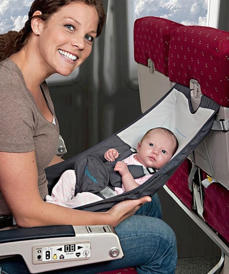 Uçak için bebek seyahat yatağı