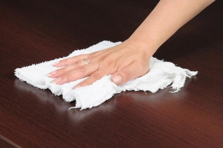 2. Masanızı her sabah temizleyin