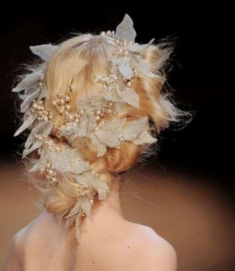 Yılbaşı saç modeli
