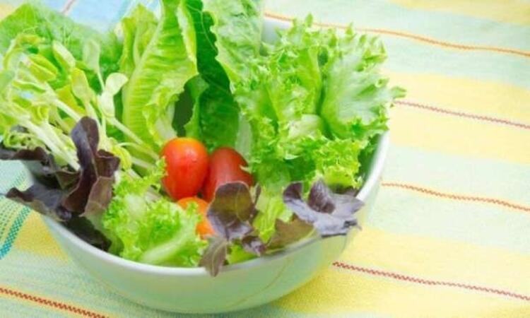 • A vitamini için yeşil yapraklı sebzeleri unutmayın