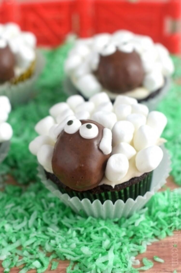 Koyun görünümlü cupcakeler