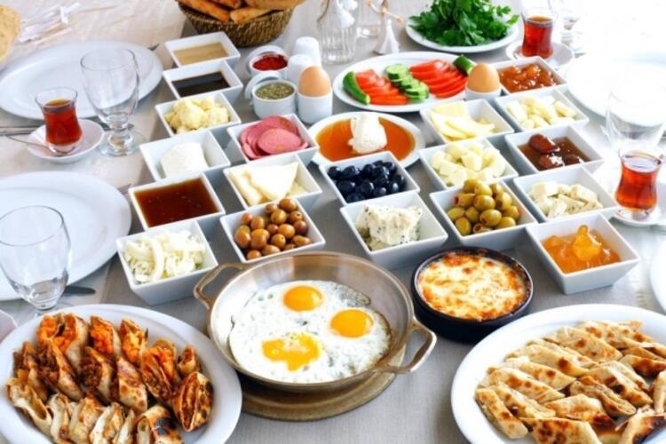 Kurban eti yenmeden önce mutlaka kahvaltı yapılmalı