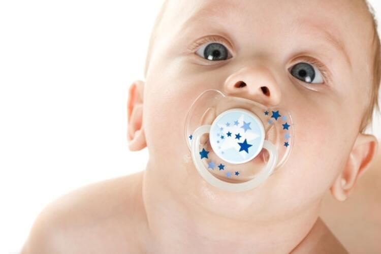 YANLIŞ: Bebeklerin ancak çocuk doktorları tarafından gerekli görülür ise göz muayenesi olmaları gerekir.