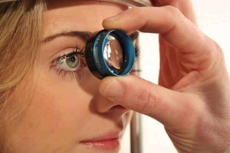 YANLIŞ: Göz tansiyonu gözlerde ağrı yapar