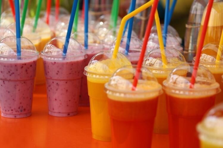 Hücrelerinizi gençleştirin: Böğürtlen ve üzümlü smoothie