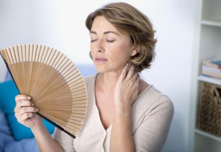 YANLIŞ 6: Menopoz Kilo Alınmasına Neden Olur