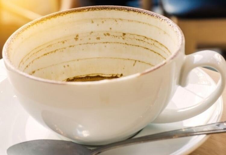 Fincandaki kahve lekesi