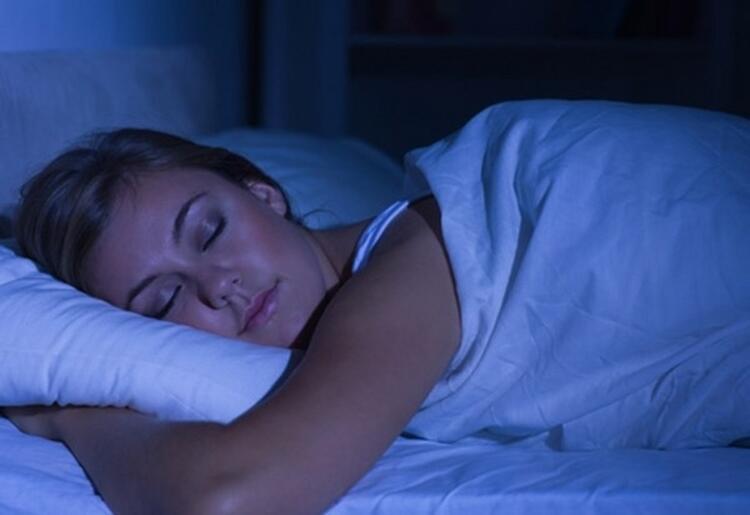 Genellikle gece saat 22.00'den önce yatakta olmaya özen gösterin.