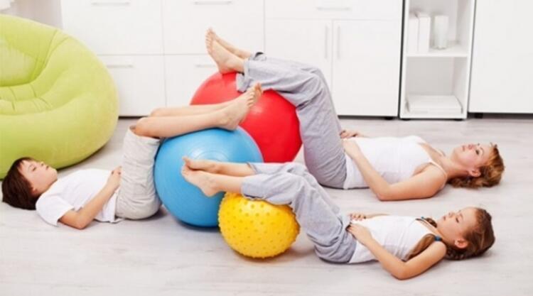 Pilates omurga eğriliği ve bel ağrısını azaltmaya yardımcı olur