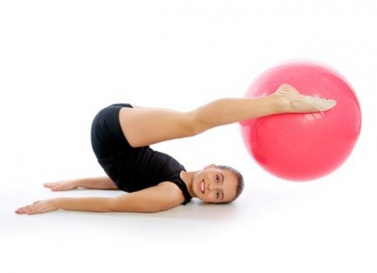 Dik omurga için pilates egzersizleri önemlidir