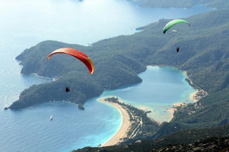 Ölüdeniz Babadağ'da yamaç paraşütü yapmak