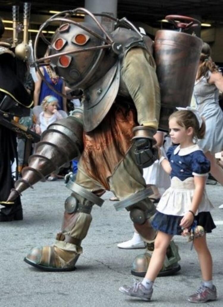 Büyük baba ve küçük kız kostümü