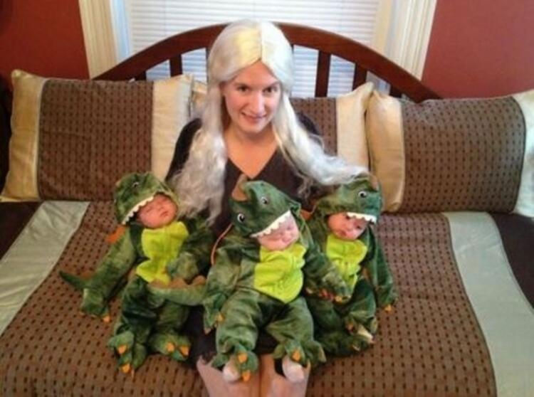 Daenerys Targaryen ve üç ejderhası
