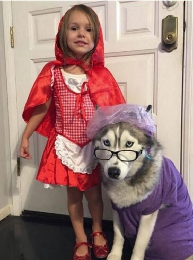 Kırmızı başlıklı kız ve büyükanne
