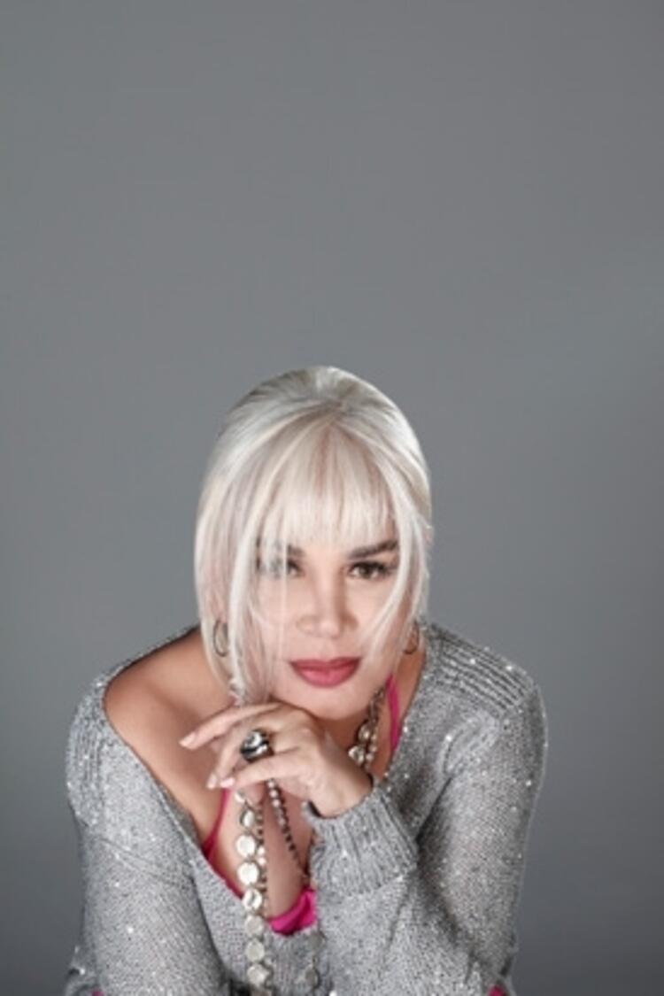 Sezen Aksu - Fatma Sezen Yıldırım