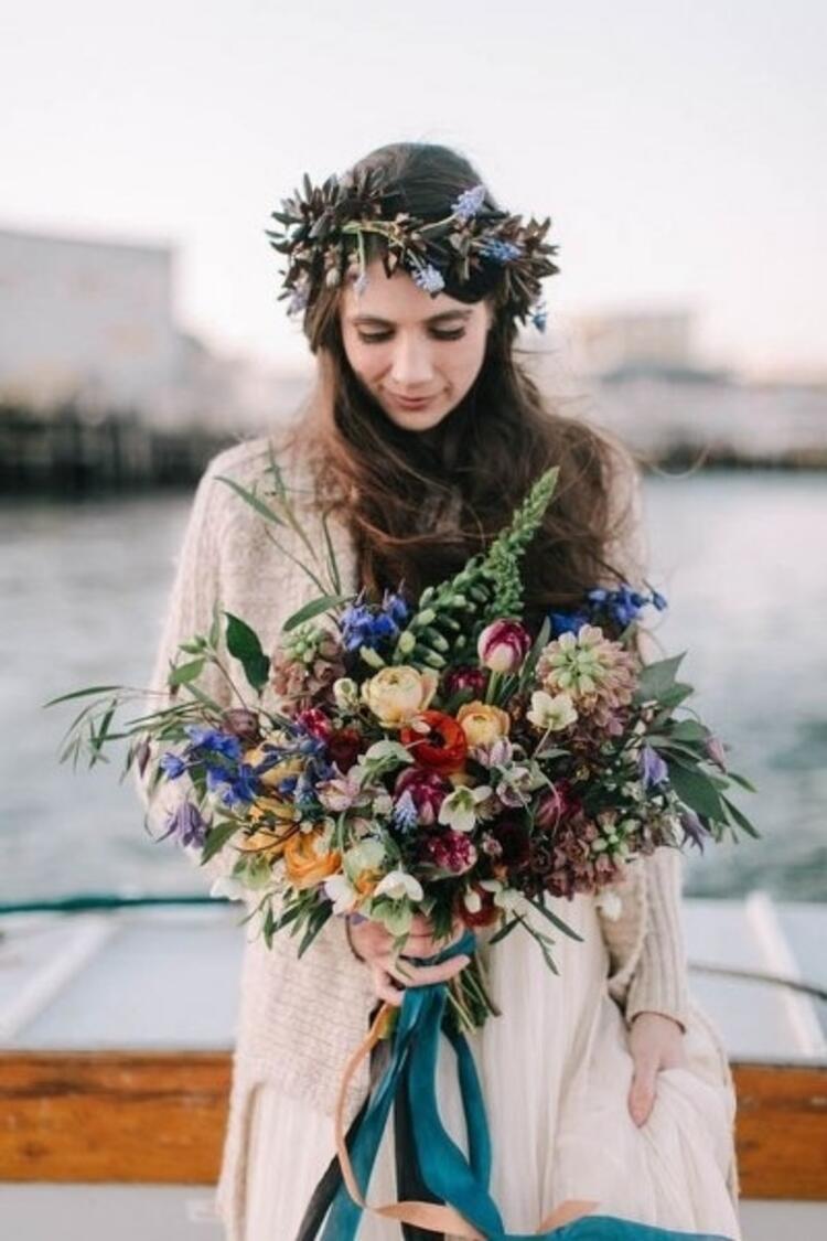 Dilediğiniz çiçeklerle taçlar yaratabilirsiniz