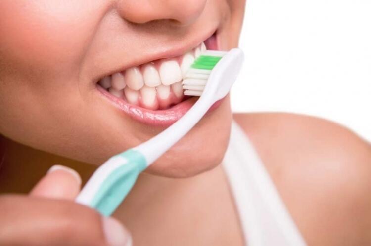 Diş fırçası seçimi önemli
