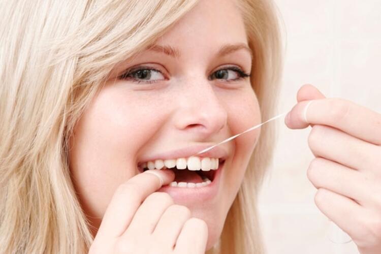 Diş ipi kullanılmalı