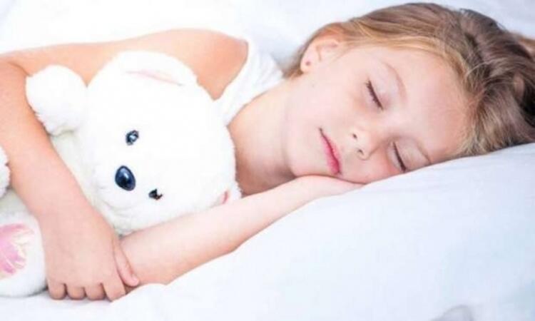 Derslerinde daha verimli olabilmesi için uyku düzenine dikkat
