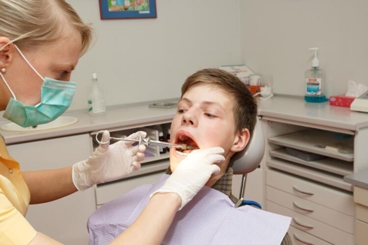 Çoçuk dişleri iğne ile çekilirse bir daha çıkmaz
