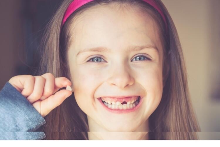 Süt dişlerinin yerine daha sonra kalıcı dişler geleceğinden süt dişlerinin önemi yoktur