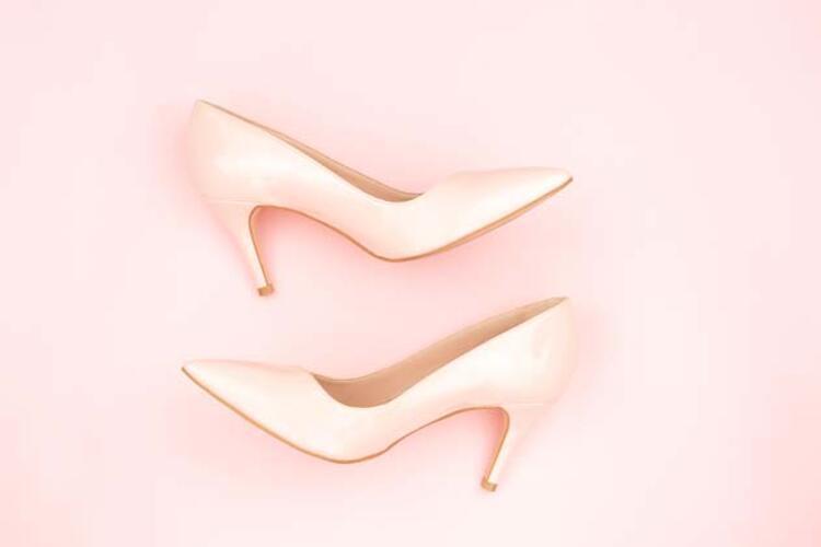 Yüksek topuklu ayakkabıların ayak bileği ve baldırlar üzerindeki etkileri