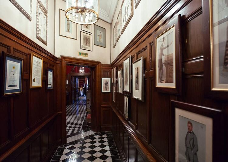 7- The Milestone Hotel & Residences Londra / İngiltere