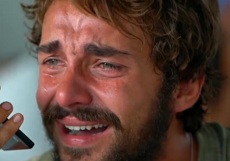 Survivorda hayatını anlatan Cemal Can gözyaşlarına boğuldu