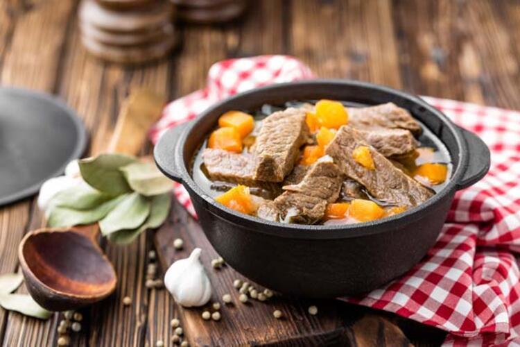 Eti çok yüksek ısıda pişirmeyin ve yakmayın