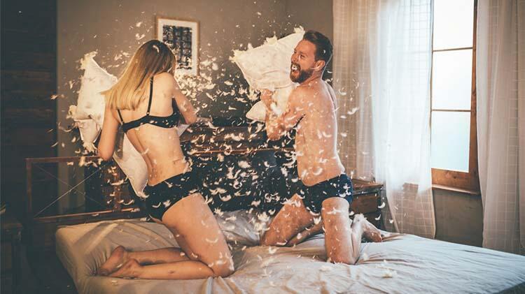 Erkekler yatakta sesli birliktelik isteyebilir