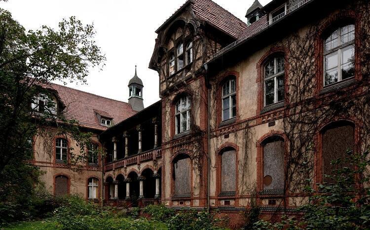 Beelitz Heilsatten Akıl Hastanesi / Almanya