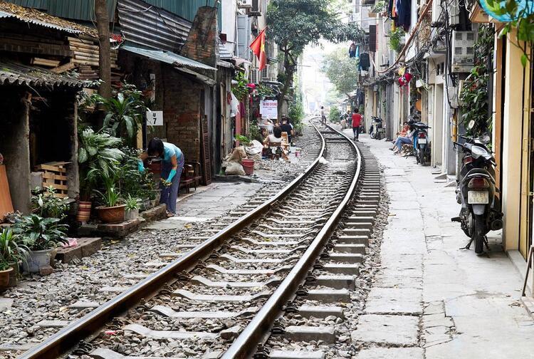 The Doorway Railway of Honoi / Hanoi'nin Giriş Demiryolu (Vietnam)