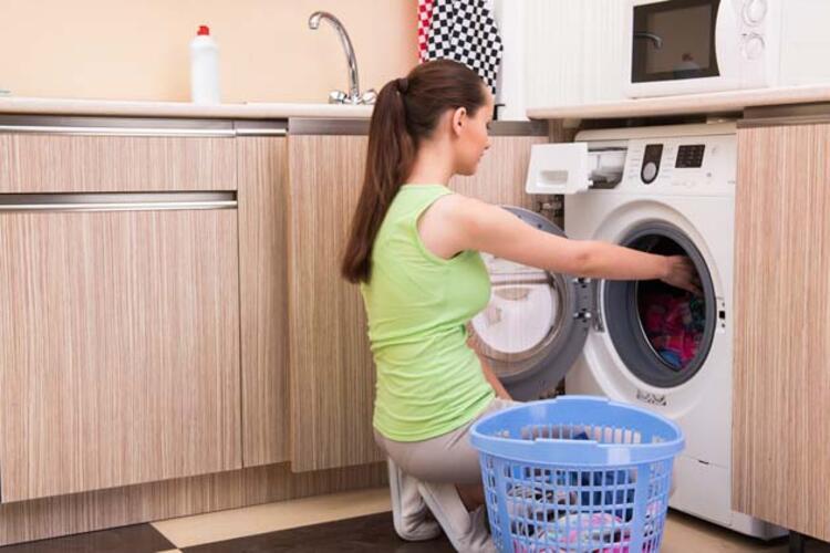 Giysilerinizi daha az yıkayın