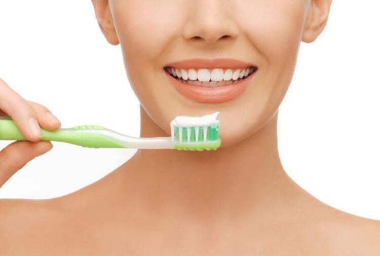 8. Diş Fırçası Su İle Islatılmadan Kullanılmalıdır:
