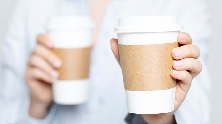 Bu belirtiler çok fazla kahve içtiğinizi gösterir
