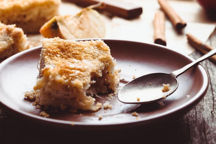 Kremalı elmalı pasta tarifi