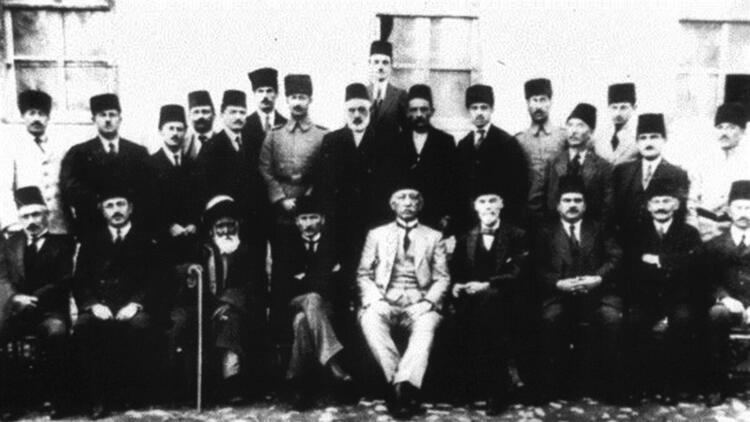 Atatürk'ün Silah Arkadaşları ve İsimleri