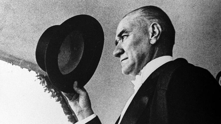 Atatürk şarkıları - Atatürk için söylenen en güzel şarkılar ve sözleri