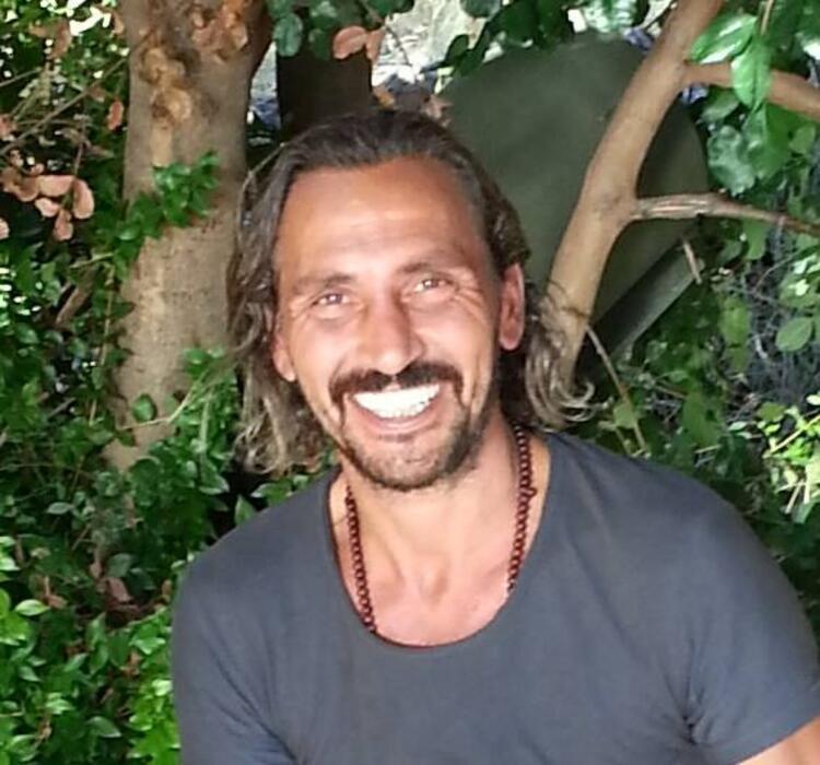 Ahmet Serdar Oral kimdir