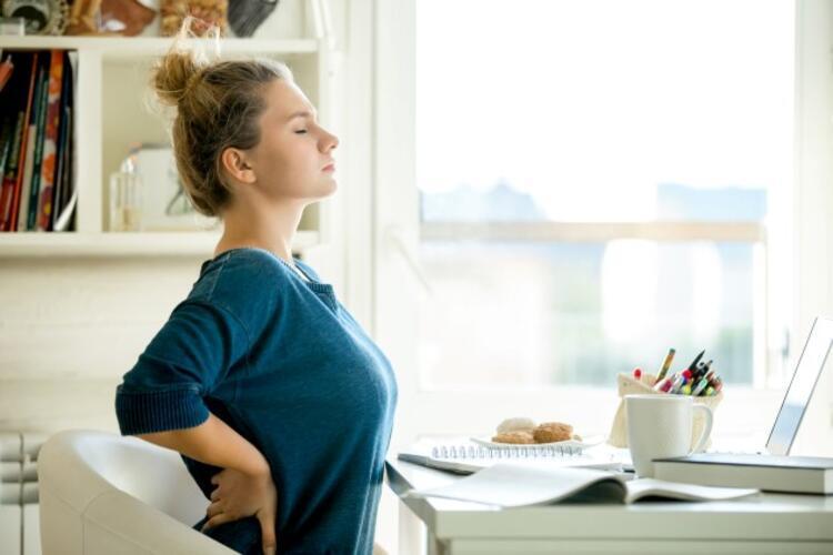 Evde veya masa başı çalışmak ağrıları arttırdı