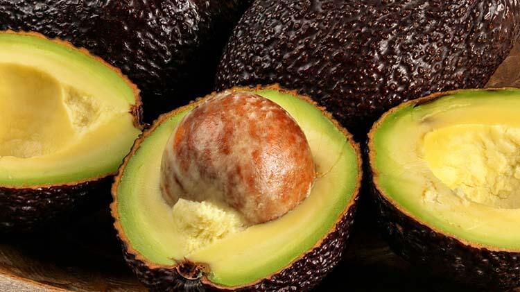 6 aylık sürede her gün yarım avokado tüketin