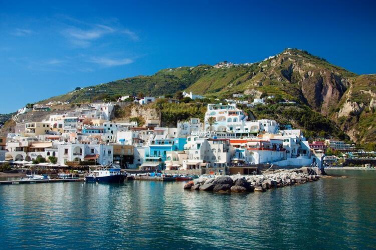 7- Ischia / İtalya