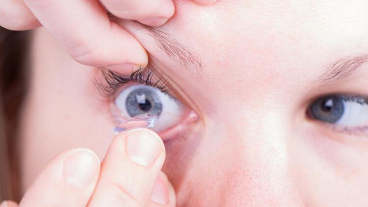 Yeni trend: Günlük kullan-at lensler