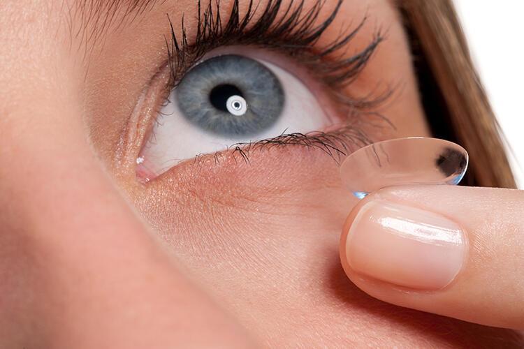 Özel durumlar için tasarlanmış kontakt lenslerle kolaylık sağlıyor