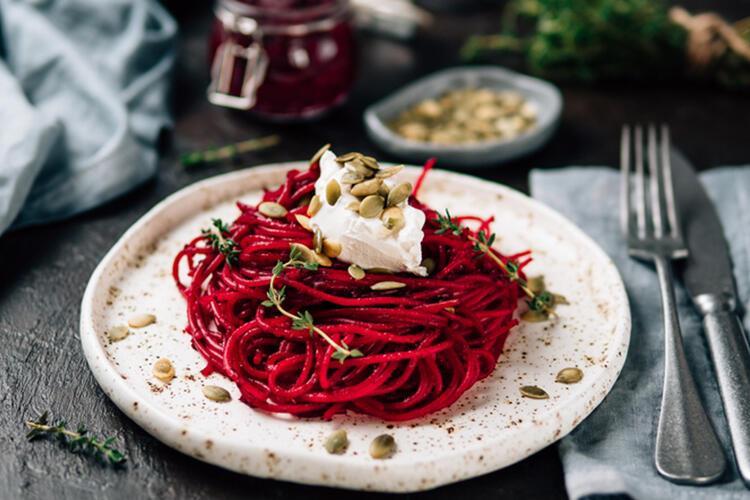Spaghetti Alla Chitarra E Barbabietola