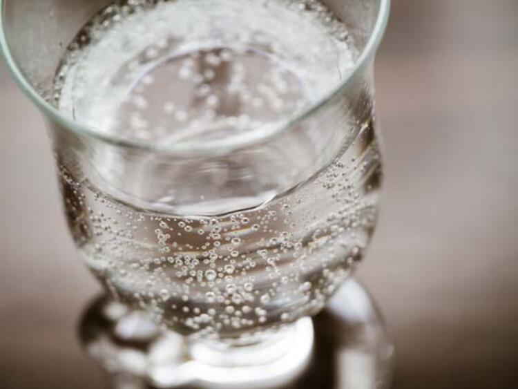 Kalsiyum ihtiyacı olan bireylerin diyet listesinde maden suyu