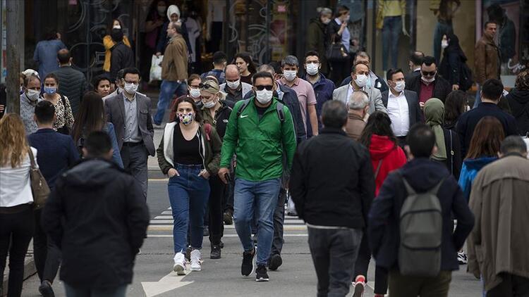 Tüm illerde yoğun cadde, sokak ve durak gibi alanlarda sigara içmek yasaklandı