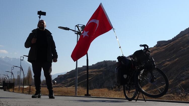 """""""Hiçbir yer Türkiye kadar misafirperver ve yardımsever değil"""""""