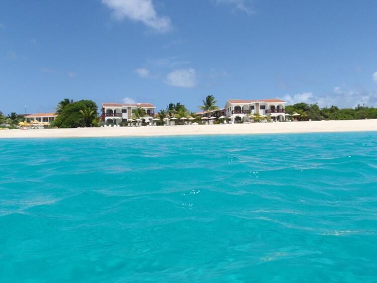 Anguilla'da çalışmak için şartlar neler